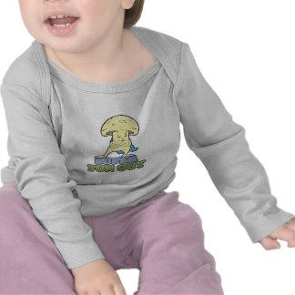 seta estupenda de los hongos del individuo de la camisetas