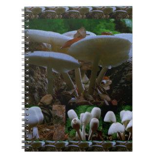 SETA Las flores salvajes de los hongos DISFRUTAN Libro De Apuntes