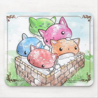 Setas lindas del gato de Mewshroom Mousepad en una