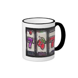 Sevens y carretes de la ranura de las cerezas taza de dos colores