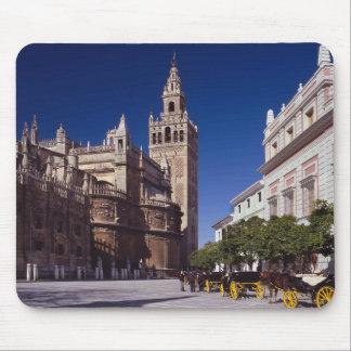 Sevilla, Spain | La Giralda Mouse Pad