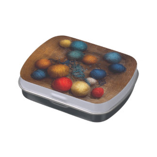 Sewing - Knitting - Yarn for cats Candy Tin