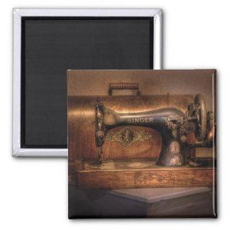 Sewing Machine  - Singer Magnet