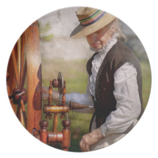Sewing - Weaving - Big wheel keep on turning Dinner Plate