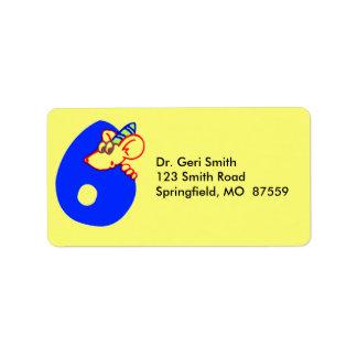 Sexto cumpleaños con el ratón etiquetas de dirección