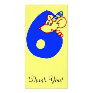 Sexto cumpleaños con el ratón tarjeta fotográfica personalizada