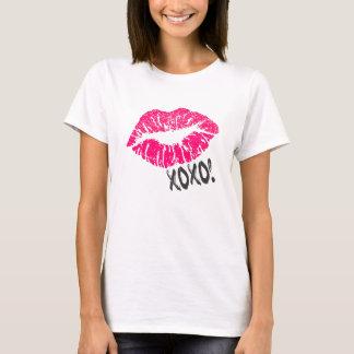 Sexy Pink Kissy Lips with xoxo! Illustration T-Shirt