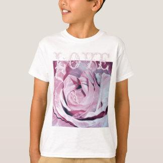Shabby chic vintage romantic elegant pink roses T-Shirt
