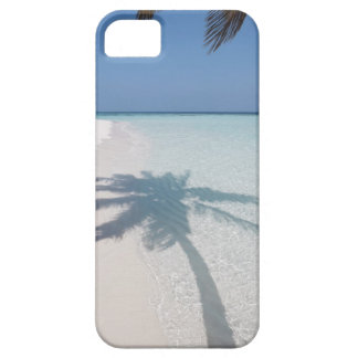 Shadow of a palm tree on a deserted island beach iPhone SE/5/5s case
