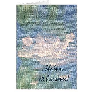 Shalom en las nubes blancas del Passover en tarjet Tarjeta De Felicitación