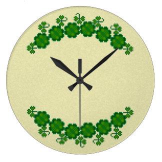 Shamrock Bower Clock