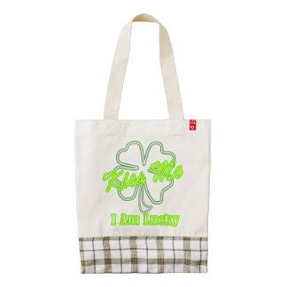 Shamrock Kiss Me I'm Lucky Irish drinking team Zazzle HEART Tote Bag