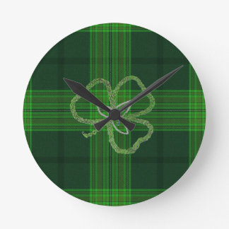 Shamrock Knot with Green Tartan background Round Wall Clocks