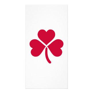 Shamrock red hearts card