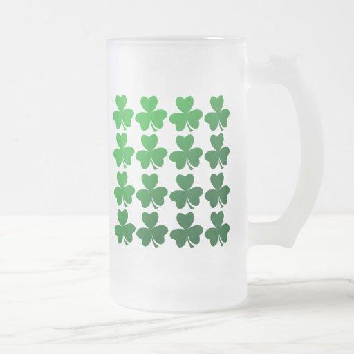 Shamrocks 16 Oz Frosted Glass Beer Mug