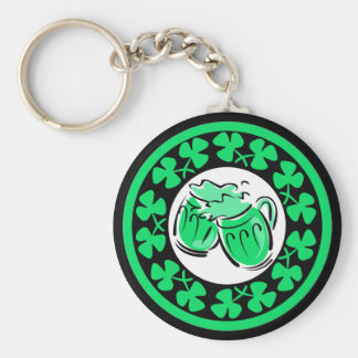 shamrocks and beer keychain
