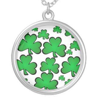 shamrocks round pendant necklace