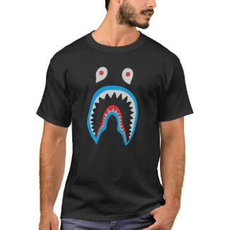 Shark attacks Shark jaw teeth T-Shirt