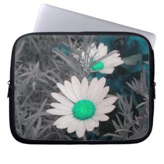 Shasta Daisies (w/Aqua) Laptop Sleeve