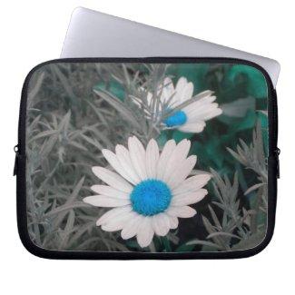 Shasta Daisies (w/Blue) Laptop Sleeve electronicsbag