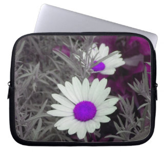 Shasta Daisies (w/Purple) Laptop Sleeve
