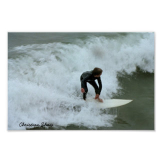 Shaw cristiano que practica surf San Clemente Póster