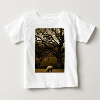 sheep under tree infant t-shirt