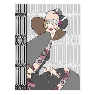 Shelby, señora de los años 30 en gris y subió tarjeta postal