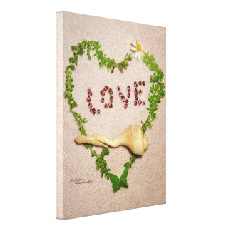 Shell heart love Stretched Canvas Print