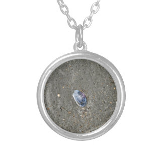 SHELL ON BEACH QUEENSLAND AUSTRALIA ROUND PENDANT NECKLACE