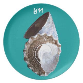 Shells monogram dinner plate