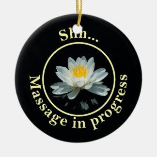 Shh… Masaje en curso Ornamentos De Navidad