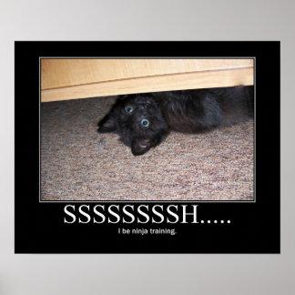 Shhhh… Ilustraciones negras de Ninja del gatito Poster