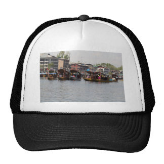 Shikaras in the Dal Lake in Srinagar Hat