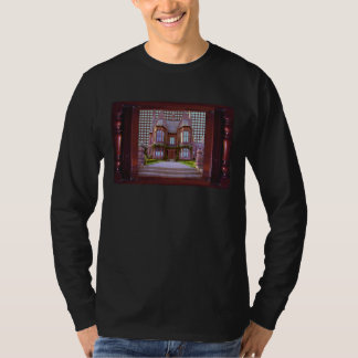 SHIRTOLOGY Haunted Vintage Castle Halloween Gifts Tshirts