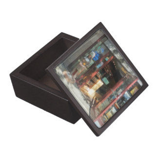 Shopfronts - Smoke Shop Premium Keepsake Box