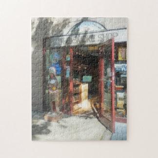 Shopfronts - Smoke Shop Puzzle