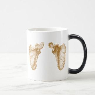 Shoulder blades magic mug