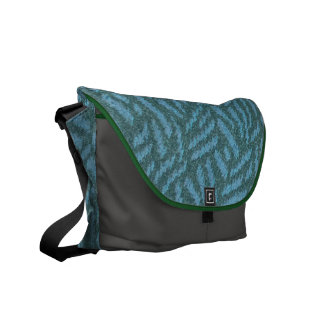 Show your love of forests w/ pine-tree pattern bag