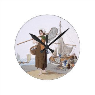 """Shrimper femenino, del """"traje de Gran Bretaña"""", Reloj Redondo Mediano"""