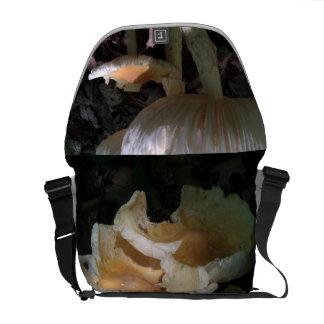 shroomy bag! courier bag