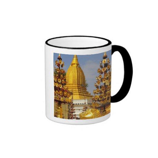 Shwe Zigon Pagoda complex in Bagan (Pagan), Mugs