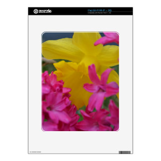 shy daffodil iPad skin