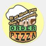 Si al principio usted no tenga éxito la pizza de l etiqueta redonda