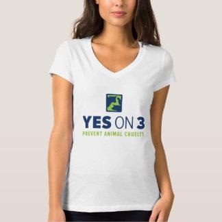 ¡Sí en 3! Camiseta con cuello de pico