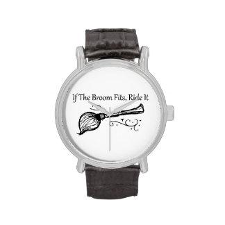 Si la escoba cabe, móntela reloj
