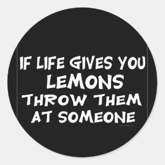 Si la vida le da los limones pegatina redonda