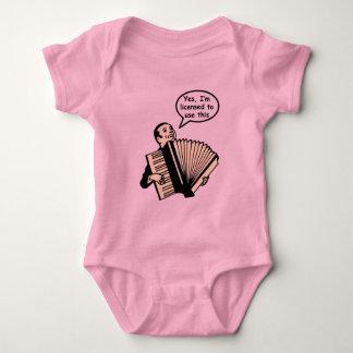 Sí, me autorizan para utilizar esto (el acordeón) body para bebé