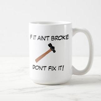 Si no está quebrado, no lo fije (o decir al papá) taza de café