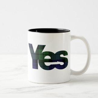 Sí taza escocesa de la independencia 2014 de